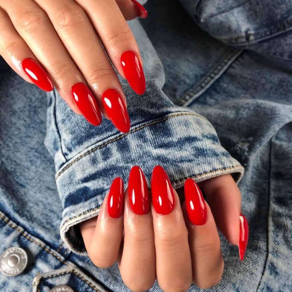 czerwone paznokcie ślubne 2021