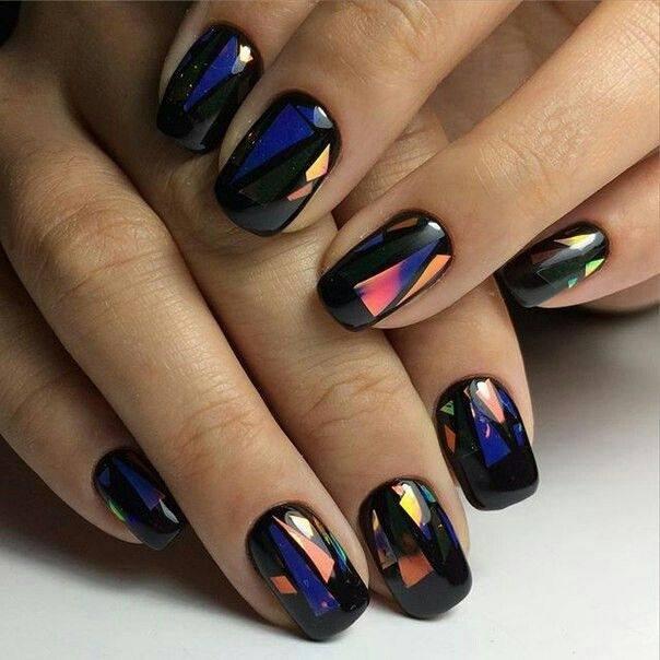 ciemne-paznokcie-hybrydowe-metaliczne