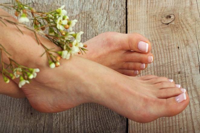jak dbać o stopy na wiosnę